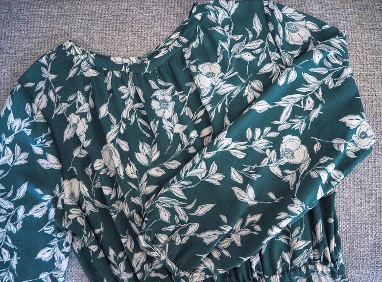 エアークローゼットの花柄ワンピース